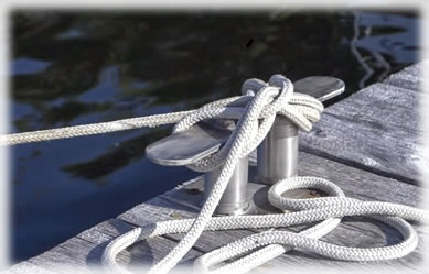 Coiled mooring rope